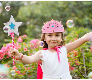 Manualidades para hacer una corona y una varita mágica de princesa