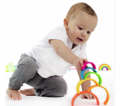 Arco Iris Waldorf de Dëna de Silicona juguete educativo