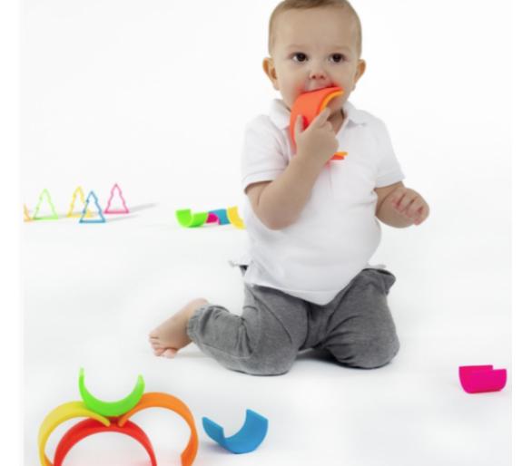 Arco Iris Waldorf de Dëna de Silicona apto para la boca de los bebés