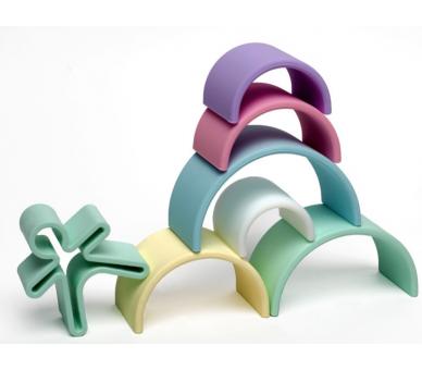 Ejemplo para hacer figuras con el arco iris waldorf de silicona de Dëna