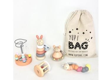 YupiBag con Sonajeros en Tonos Pastel anaranjados y rosa para bebés
