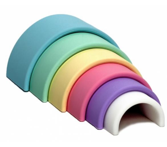 Juguete Educativo Arco Iris Waldorf Dëna en tonos pastel de Silicona
