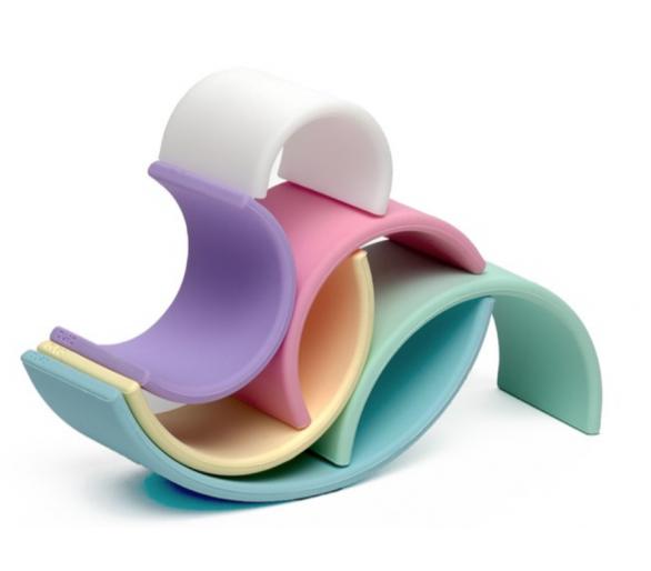 Ejemplo de figuras para hacer con el arco iris waldorf de silicona de Dëna